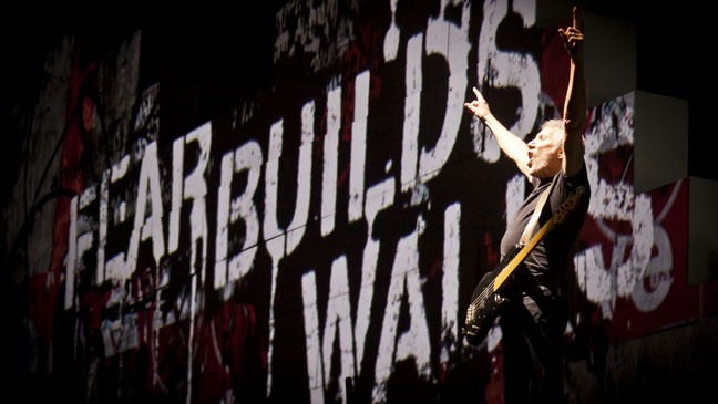 Cena-de-ROGER-WATERS-THE-WALL-2014-de-Roger-Waters-e-Sean-Evans