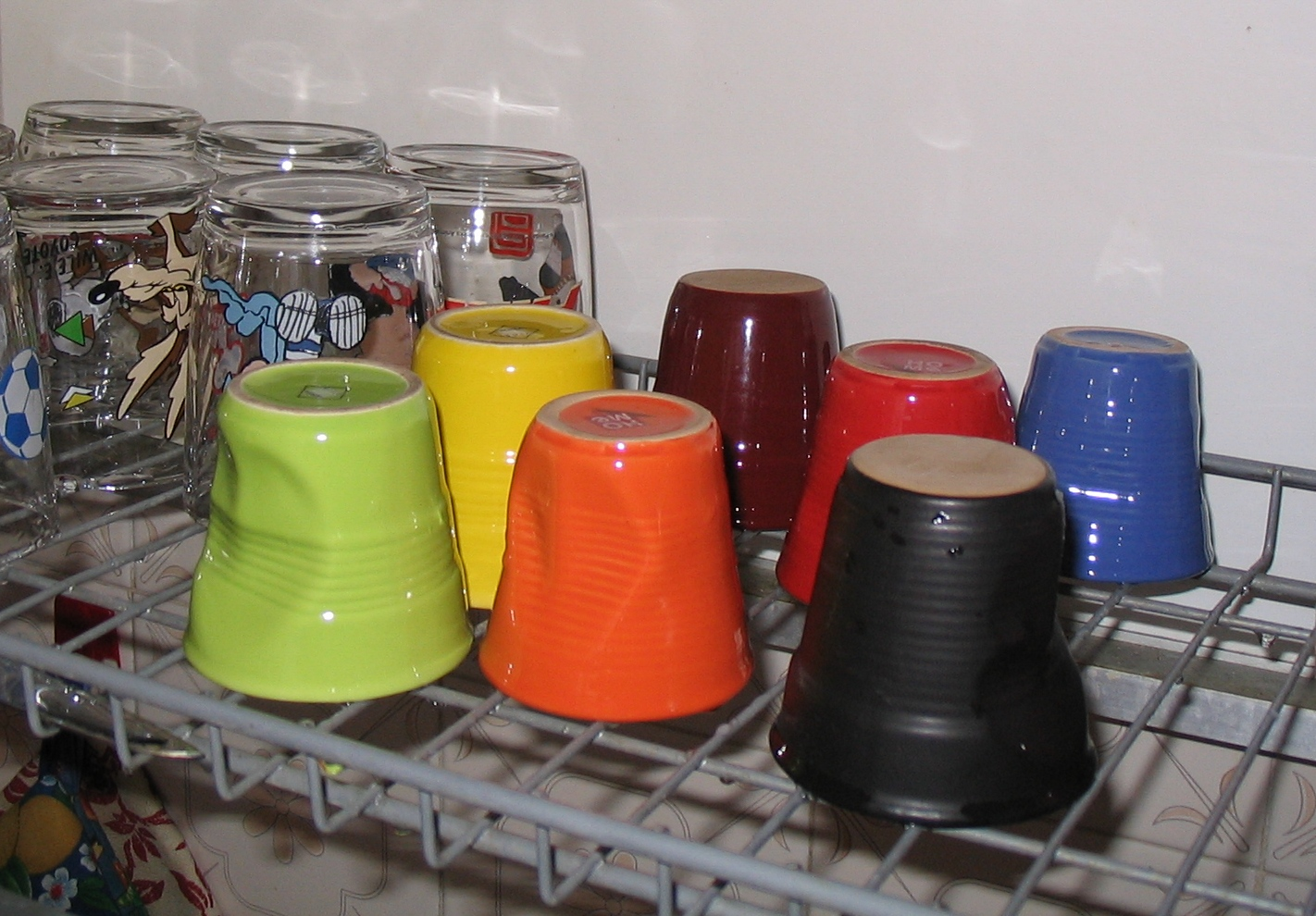 coloured_cups